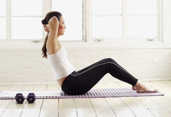 Cara Terbaik Membentuk Otot Perut pada Wanita 2