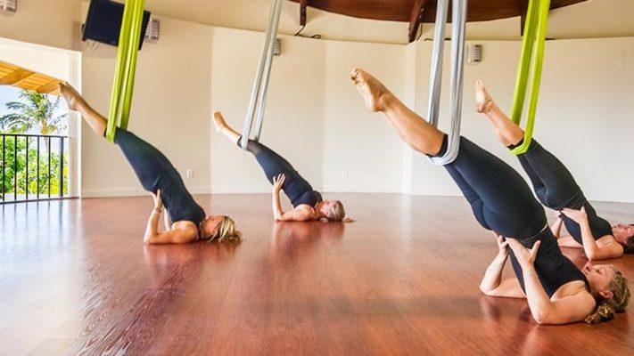 5 Manfaat Yoga Aerial Bagi Kesehatan yang Sayang Jika Dilewatkan 3