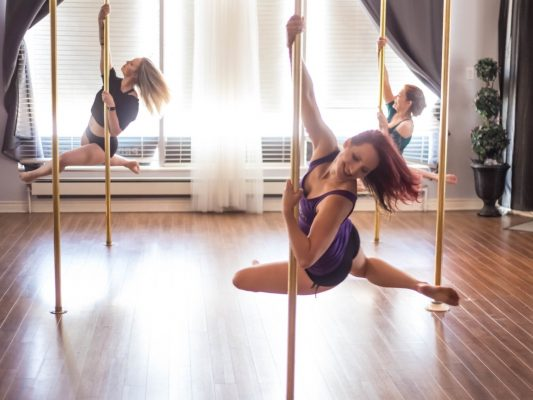 Mengenal Pole Dance Dan Manfaatnya! 16