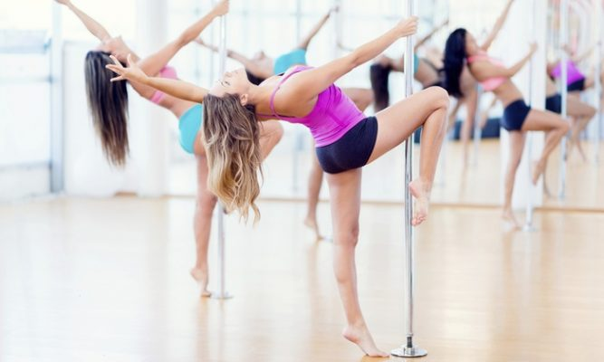 Mengenal Pole Dance Dan Manfaatnya! 3